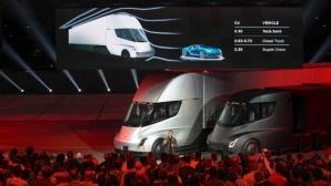 """Tesla представи """"нереалния"""" ел. камион и най-бързата изненада в света (видео)"""