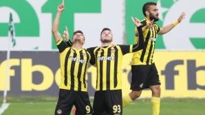 Златко Янков и Сиваспор продължават да напират за звезда на Ботев