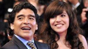 Марадона настоява в съда за затвор на… дъщеря му!