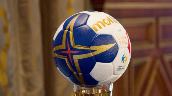Локомотив (Варна) се откъсна на върха в хандбалното първенство