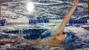 На 14 години Левтеров на косъм от 57 секунди на 100 м гръб