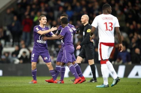 Тулуза изхвърли Бордо и Кафу от Купата на лигата във Франция
