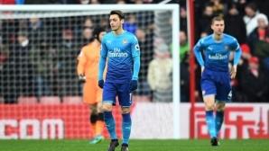 Арсенал прави последен опит да задържи Йозил