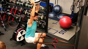 Григор се поти здраво във фитнеса преди коледните празници