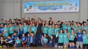 """Над 500 деца участваха в коледен спортен празник в """"Арена Армеец"""""""