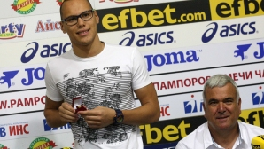 Антъни Иванов е плувец на годината