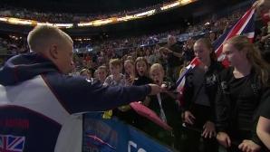Еврошампионът Адам Пийти подари златния си медал на ученичка (видео)