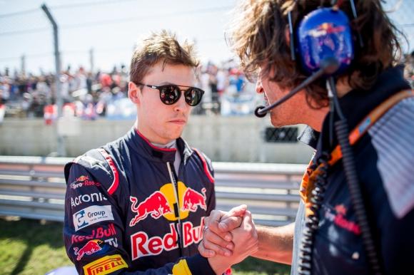 Даниил Квят се присъедини към екипа на Ферари