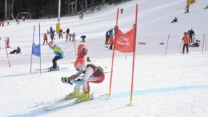 Стотици деца празнуваха Световния ден на снега в Боровец