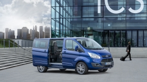 Делегатите от българското европредседателство се возят във Ford Custom