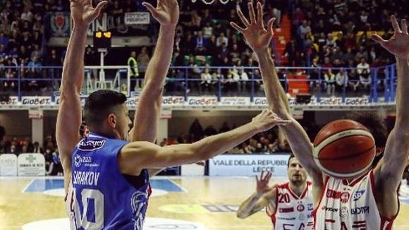 Георги Сираков дебютира в Серия А