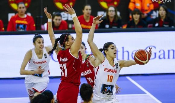 Загуба с 40 точки от Испания за баскетболистките