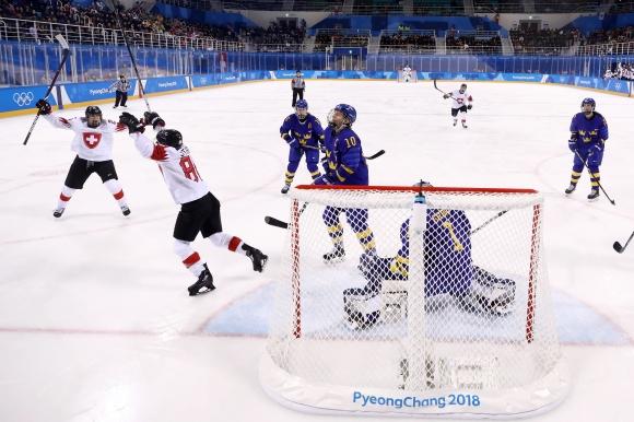 """Швейцария победи Швеция и завърши на върха в група """"Б"""""""
