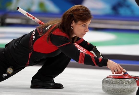 Канадска състезателка по кърлинг е най-възрастната спортистка в ПьонгЧанг