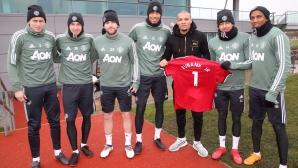 Крис Юбенк се срещна с футболисти на Юнайтед