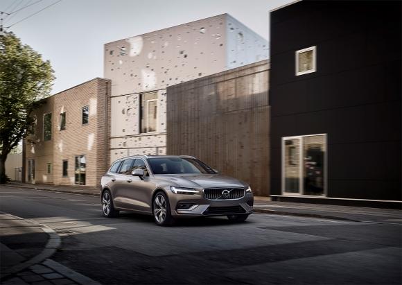 Volvo V60 напрви световна премиера (снимки и видео)