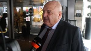 """Венци Стефанов хвърлил в кофата оферта на Олимпиакос за играч на """"белите"""""""
