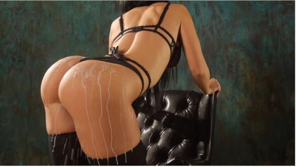 Мацка от ринга взриви нета с перверзен еротичен клип (видео)