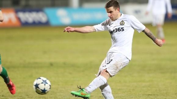 42-годишен футболист вдъхнови Славия за първа пролетна победа (видео)