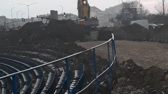 """Голям скандал разтърси Варна! Събарят трибуни на стадион """"Спартак"""""""