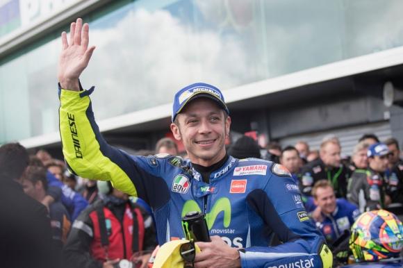 Валентино Роси подписа нов договор и остава в MotoGP за още 2 години