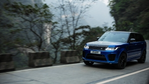 Range Rover SVR поставя рекорд на пътя Тианмен