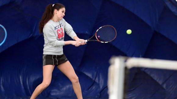 Шиникова се класира за втория кръг на турнир по тенис в Тунис