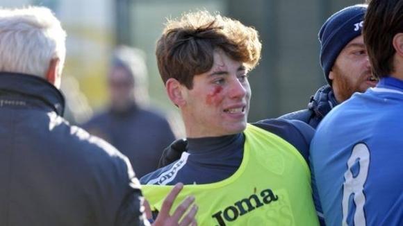 Едва не убиха футболист на Емполи с камък