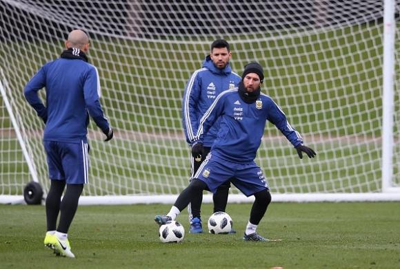 Меси иска да играе срещу Испания