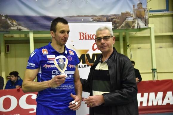Наградиха Боян Йорданов за MVP, Фойникас загуби последния мач от редовния сезон