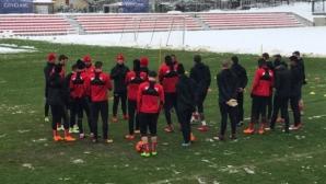 В ЦСКА-София се заканиха да чистят от ранни зори, но утрешната контрола е под въпрос