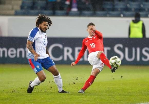Швейцария писа отличен 6 на Панама, желан от Лудогорец над всички