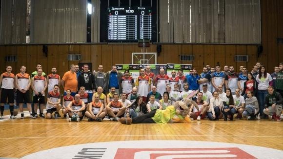 BAYER и Стоян Петков спечелиха купата на Holiday Heroes