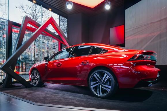 Новият Peugeot 508 ексклузивно в Peugeot Avenue Paris