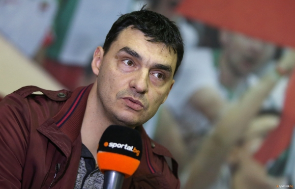 Владо Николов ще води Левски и през следващия сезон