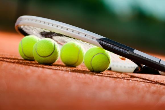 Това ли е ударът на седмицата в тениса? (видео)