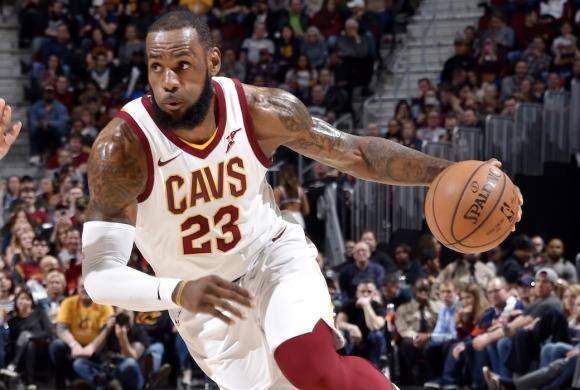ЛеБрон Джеймс счупи нов рекорд на Майкъл Джордън в НБА