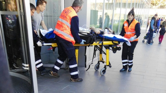 Испански футболист падна от третия етаж, жив е