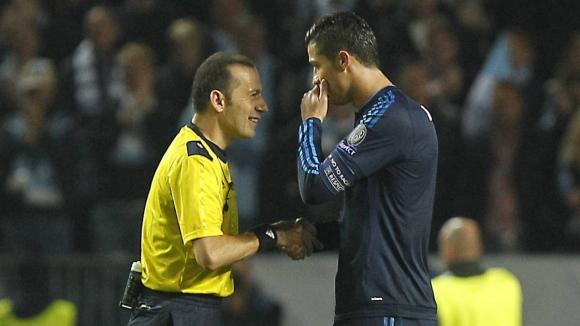 Чакър ще свири Юве - Реал Мадрид