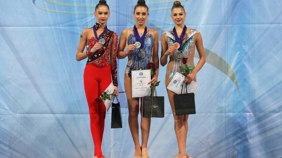 Катрин Тасева грабна златото на бухалки на Световната купа в София