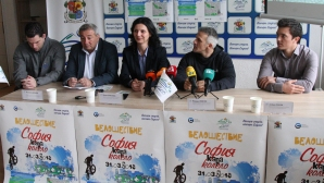 Данчо Йовчев и Жени Раданова повеждат велошествие в столицата