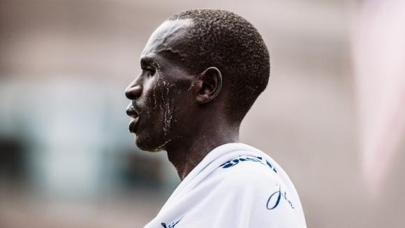 Мутаи срещу олимпийския шампион Кипчоге на маратона в Хамбург