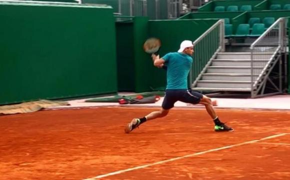 Григор Димитров вече тренира на клей (видео)