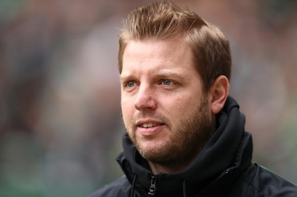 Вердер поднови договорите на треньора Коофелт и на помощниците му