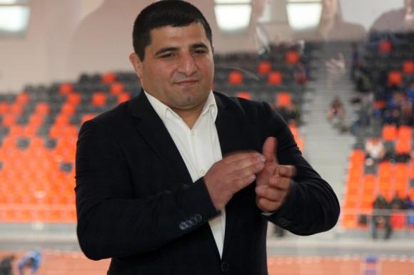 Армен Назарян се отърва невредим в жестока катастрофа