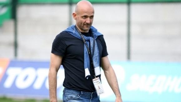 Радуканов избухна: Шести мач не ни позволяват да играем