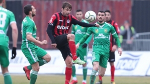 Дунав и гръцки отбор от Втора лига пожелаха капитана на Оборище