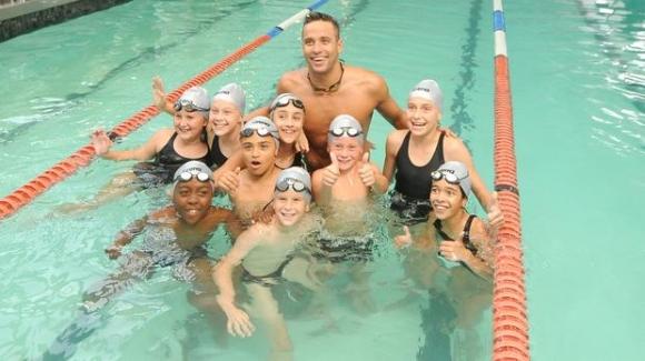 Чад льо Кло откри плувна академия, носеща неговото име