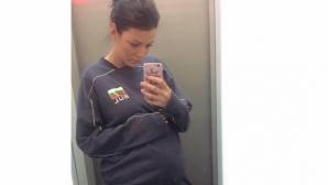 Секси актриса показа бременно коремче
