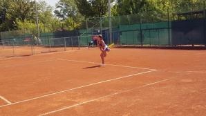 Топалова на полуфинал